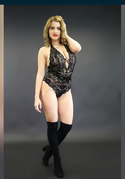 Sexy chat on your mobile with CelinneAnn : CelinneAnn Sexy Chat Model